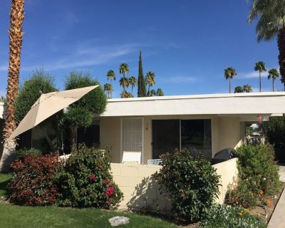 Mid Century Modern Gem in the Heart of Palm Springs! - Palm Springs