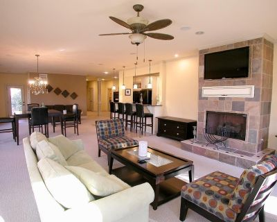 Mediterranean Retreat on Lake Lanier with Private Pool Dock Internet Cable - Gainesville