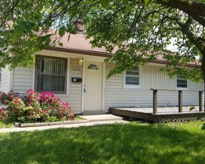Lawrence Area 3BA/1BA House w/Garage!