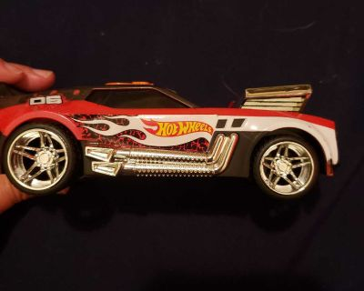 Hot wheels car with batteries