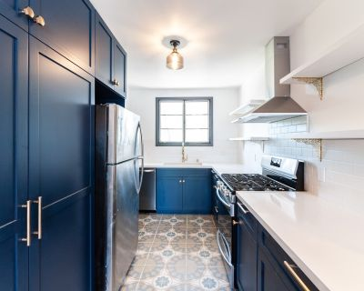 Dreamy Remodeled Mar Vista 2bed/1 bath Apartment Home with Washer/Dryer IN UNIT and Easy Westside Access