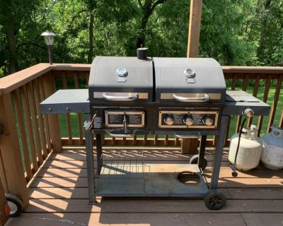 Gas & charcoal grill combo