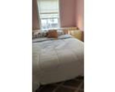Roommate wanted to share 1 Bedroom 1.5 Bathroom Townhouse...