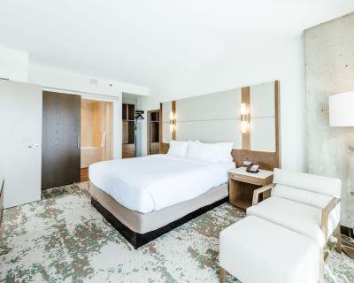 2-Bedroom Suite at Hilton Garden Inn Denver Union Station by Suiteness - LoDo