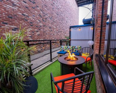 Trendy Loft - by Funky Stays Vacation - Downtown Victoria