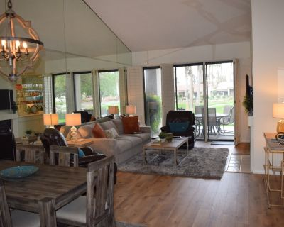 The perfect Palm Desert getaway! Beautiful 2 Bedroom Condo in Palm Valley CC - Palm Desert