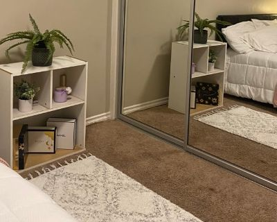 Private room with shared bathroom - Lynwood , CA 90262