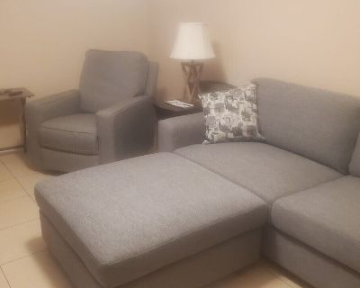 Affordable Plus Business/Family Apartment - Trumbull Village