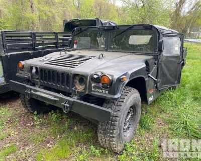 1997 AM General M-1037 HMMWV 4 Door Soft Top w/Truck Body