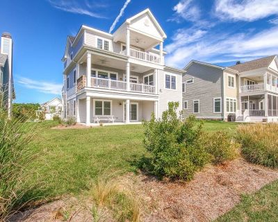 Bayside Resort house w/ basketball court, private gas grill, tennis court - Bayside