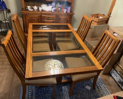 Formal Oak 3 Panel Glass Dining Room Table and 4 Cushion Chairs