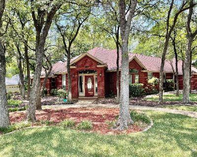 Lovely Estate Sale in Bentley Village!