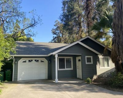 Freshly furnished 2b/1b close to Enloe hospital and <1 mile from downtown - Chico