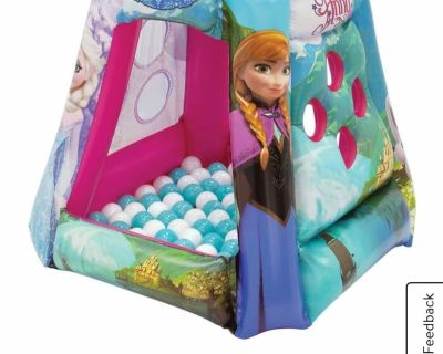 NEWWW FROZEN INFLATABLE PLAY CENTER WITH BALLS