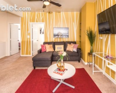 $4000 2 apartment in Capitol Hill