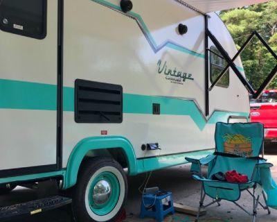 2019 erd 19 foot vintage gulfstream travel trailer