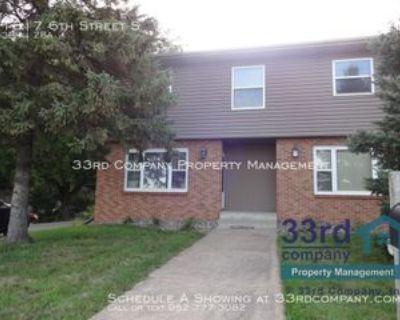 1317 6th St S, Stillwater, MN 55082 3 Bedroom Apartment