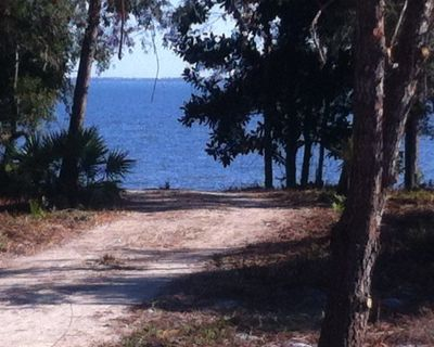 Fantastic Waterfront Cottage on St. George Sound-GREAT FISHING