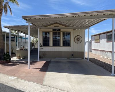 #1 Rated RV Park in Bullhead City! Quiet, CLEAN, gated, and lots of activities! - Bullhead City
