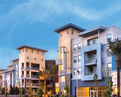$869 UH Fullerton Lease- Great for CSUF, HIU and Fullerton College students