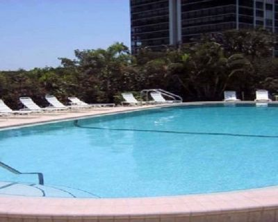 Swimming Pools Construction Company in Bonita Springs | Contemporary Pools