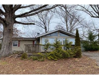 1.5 Bath Preforeclosure Property in Sevierville, TN 37862 - Flatwood Rd