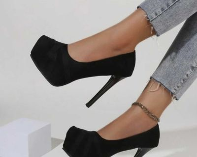 ISO size 10 heels for WIDE feet
