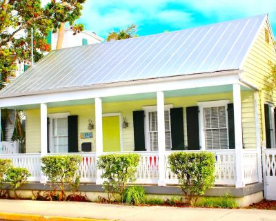Key West Cottage Located in Old Town Key West - Historic Seaport