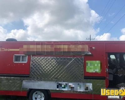 Clean & Spacious Custom-Built 32' Step Van Kitchen Food Truck/Mobile Kitchen