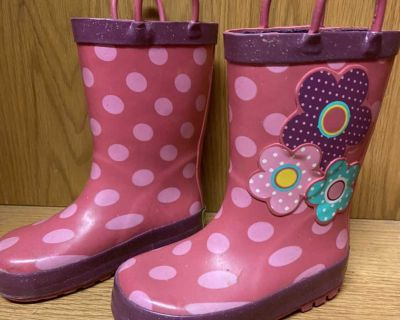 Rain boots size toddler 8