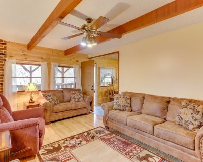 Private home in the woods with hot tub, deck & picnic table! - Whittier