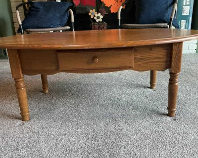 FREE Oblong coffee table