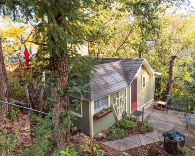The Nest: a Cozy Cottage Retreat in Downtown Manitou - Manitou Springs Historic District