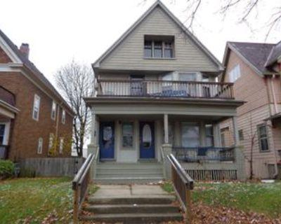 2955 N Cramer St Lowr #2955, Milwaukee, WI 53211 3 Bedroom Apartment