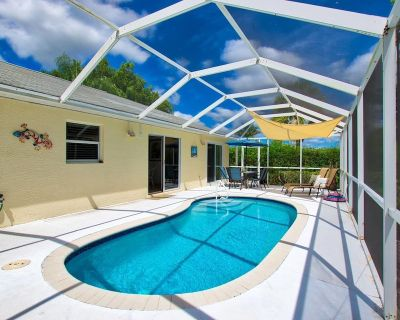 Family friendly holiday home with pool and whirlpool - Burnt Store