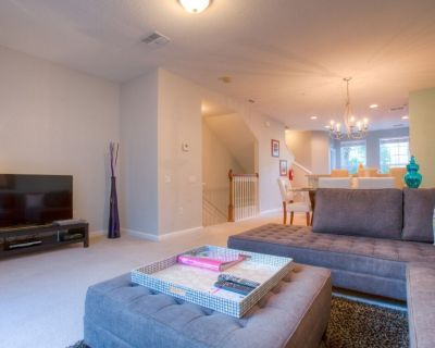 3-bedroom, 3.5 bath townhome perfect for a family getaway! - Orlando