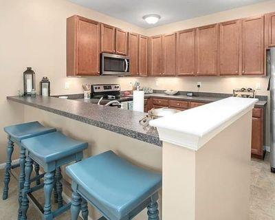 Private room with shared bathroom - Chesapeake , VA 23320