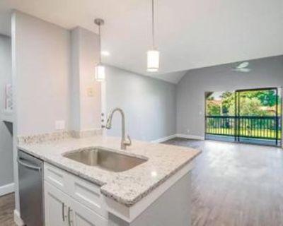 380 Lakepointe Dr #303, Altamonte Springs, FL 32701 1 Bedroom Condo