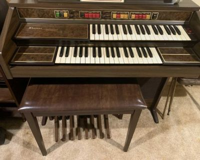 Organ with bench for sale