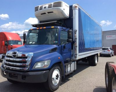 2014 HINO 338 Reefer, Refrigerated Trucks Truck
