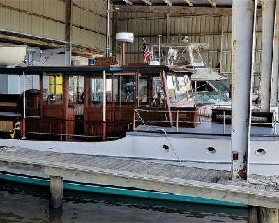 """1928 42'10"""" Elco 42' ELCO Flat Top Motor Yacht"""