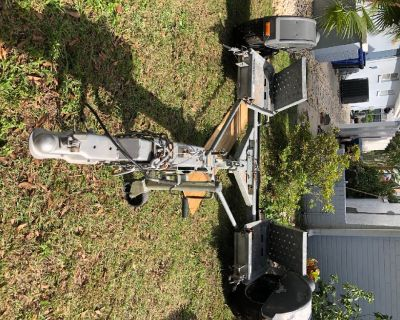 Tow Dolly-Demco KarKaddySS with hydraulic surge brake system