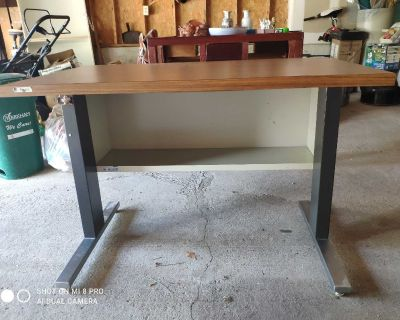 Metal Base wood top table desk good condition