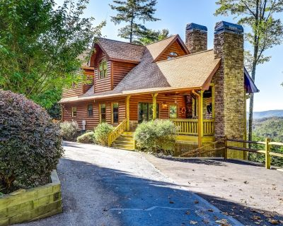 Secluded two-story home w/two fireplaces, large decks, mountain views, gas grill - Cherry Log