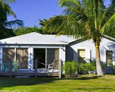 BAYWATCH COTTAGE - PRIVATE POOL- PET FRIENDLY- AVAILABLE JULY 17TH - 24TH! BOOK NOW! - Captiva