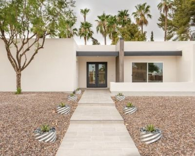 New Listing! Saguaro Cacti, Palms, and Heated Pool, close to Kierland Commons! - Raskin Estates