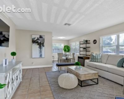 $1000 2 single-family home in Wilton Manors