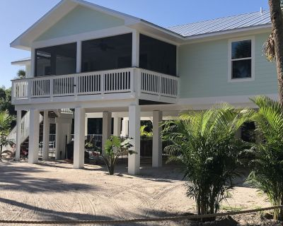 New Home 2021 3 bedroom 2 baths with golf cart and heated pool - North Captiva