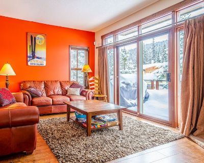 Excellent Multi Level 2 Bedroom + Den Townhouse, Close to Morrisey Chairlift - Sun Peaks