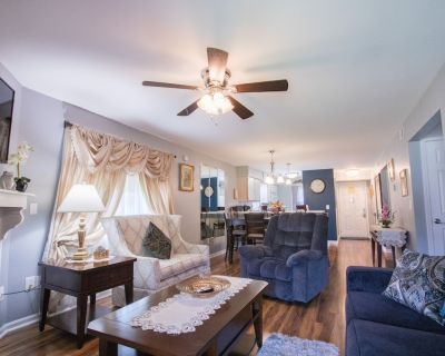 Uniquely charming Pet Friendly 2 Bed condo near the strip at Pointe Royale! - Table Rock
